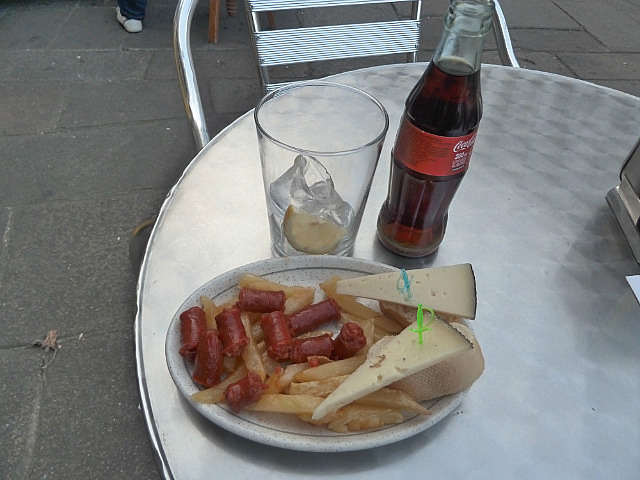 Free tapas/snacks given with my coke