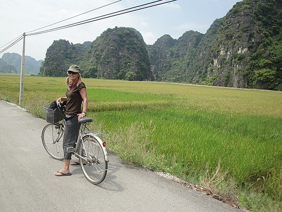 Riding to Tam Coc