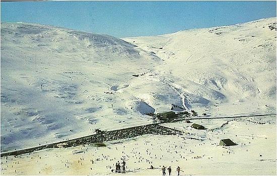 Glen Shee skiing