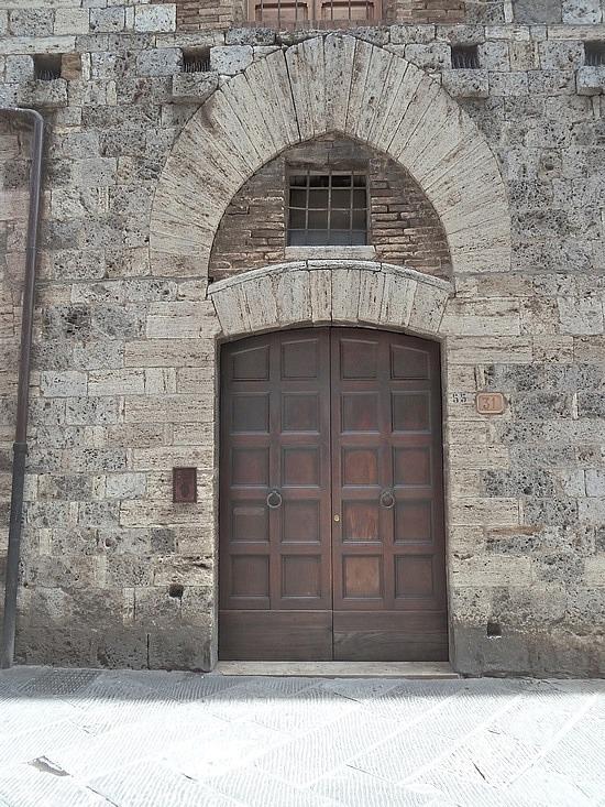 Door with moorish influence