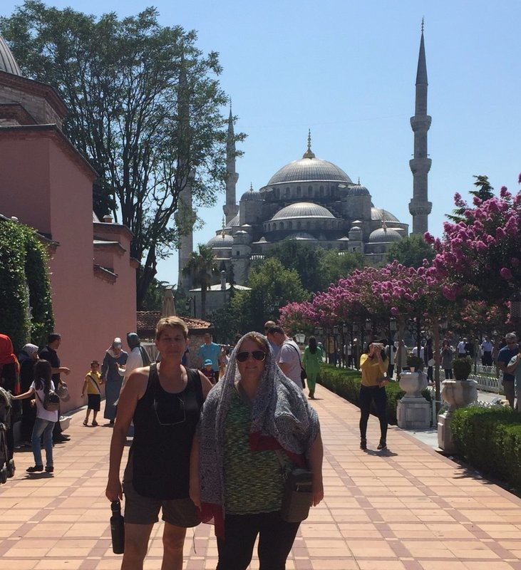KelShell in front of Blue Mosque