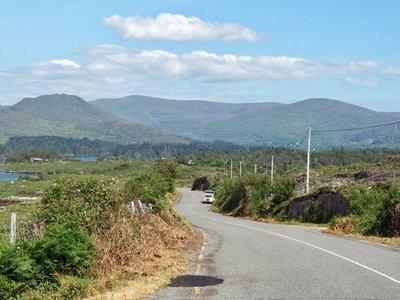 The highway around the Beara Peninsula