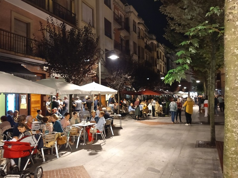 Friday evening in Gernika - families gather along the main street and in the plaza - lovely scenes