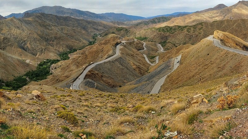 'Snake' Road - on the way through High Atlas Mountains