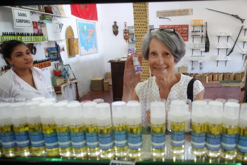 Glyn buying Argan oil-based eye-cream - supposedly a wonder cream