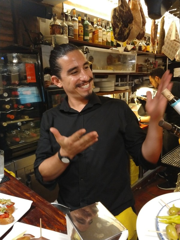 Spanish waiter (&#34;Manuel?&#34<img class='img' src='https://tp.daa.ms/img/emoticons/icon_wink.gif' width='15' height='15' alt=';)' title='' /> hamming it up for us at La Cepa restaurant in San Sebastian  (&#34;I know nothing!&#34<img class='img' src='https://tp.daa.ms/img/emoticons/icon_wink.gif' width='15' height='15' alt=';)' title='' />