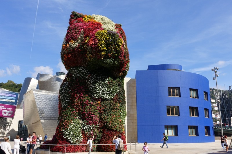 Floral 'Puppy' outside Guggenheim Museum - Bilbao (every tourist has a version of this pic...)