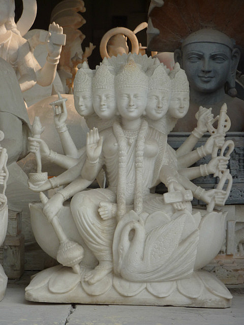 Marble carving in the bazaar