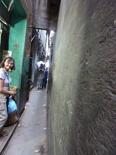 Alley walk way