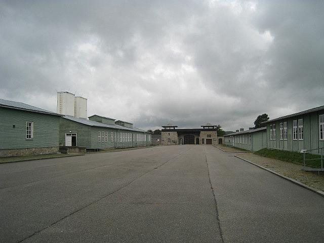 Mauthausen barracks