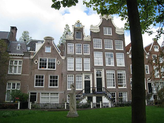In the Begijnhof courtyard
