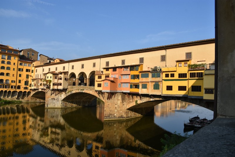 Ponte Vecchio - note corridor on top so the Medici's don't have to mix with the plebs
