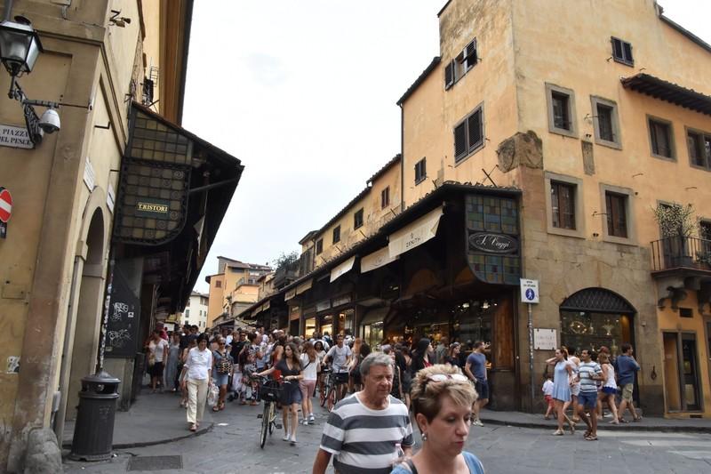 Gold shops on the Ponte Vecchio