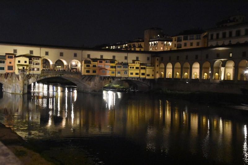 The Ponte at night