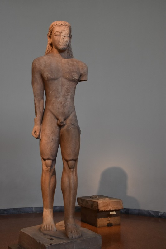 Cycladic statue