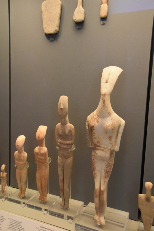 Cycladic statues from around 3300BC