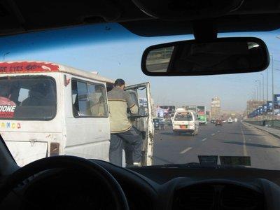 CAIRO01-eg..ging-ou