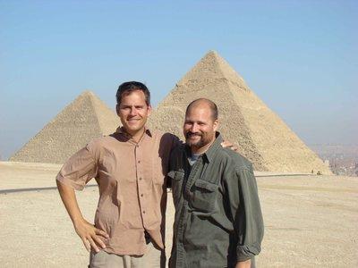 CAIRO01-lt..pyramid