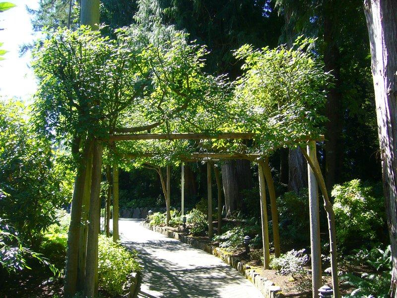 entrance to Butchart Gardens