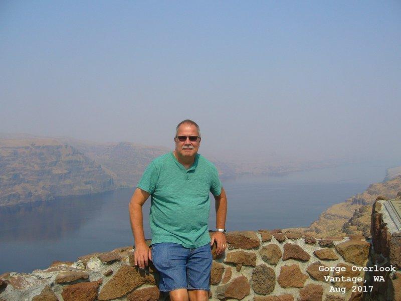 Jerry at Gorge Overlook - Vantage, WA