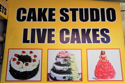 I'm sure that you can come up with your own caption re Live Cakes