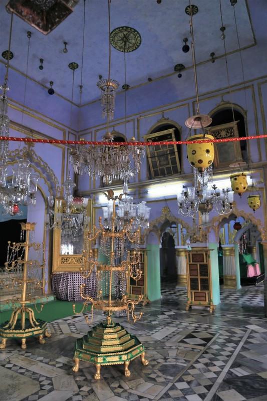 Floor chandeliers