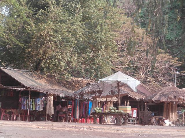 Roadside touristy market