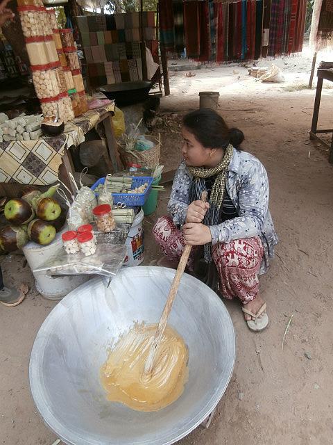 Making palm sugar