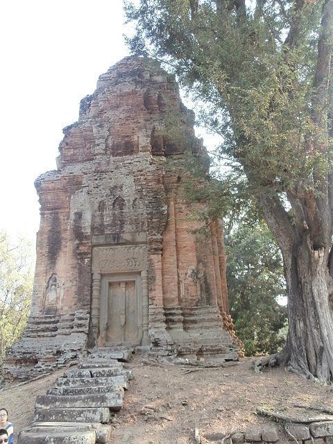 Rolous side temple