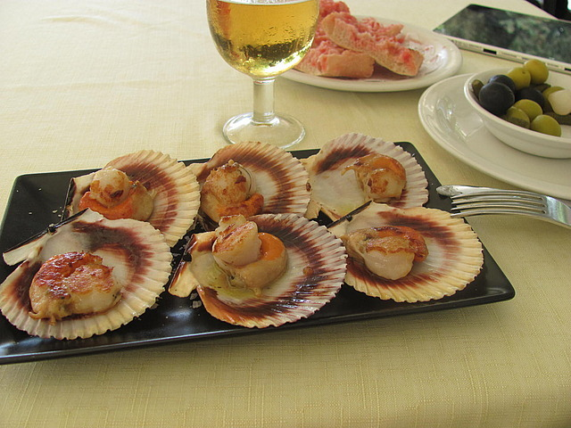 Scallops for lunch at the beach