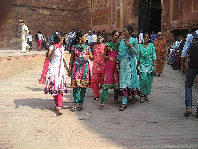 The sari ladies