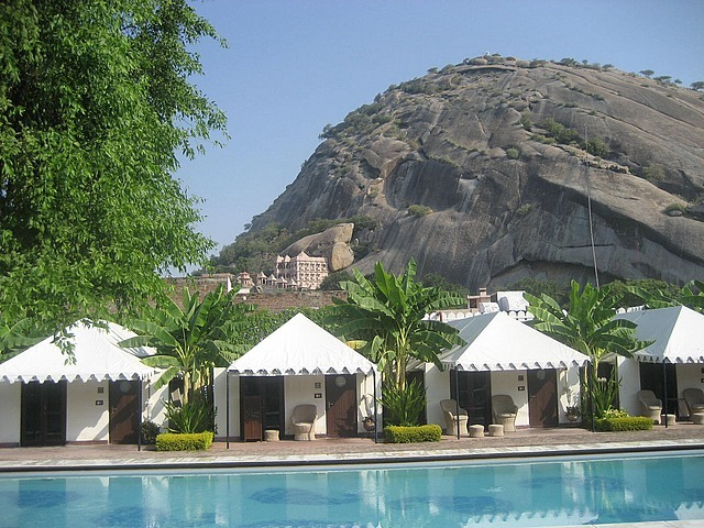 Hotel in Narlai