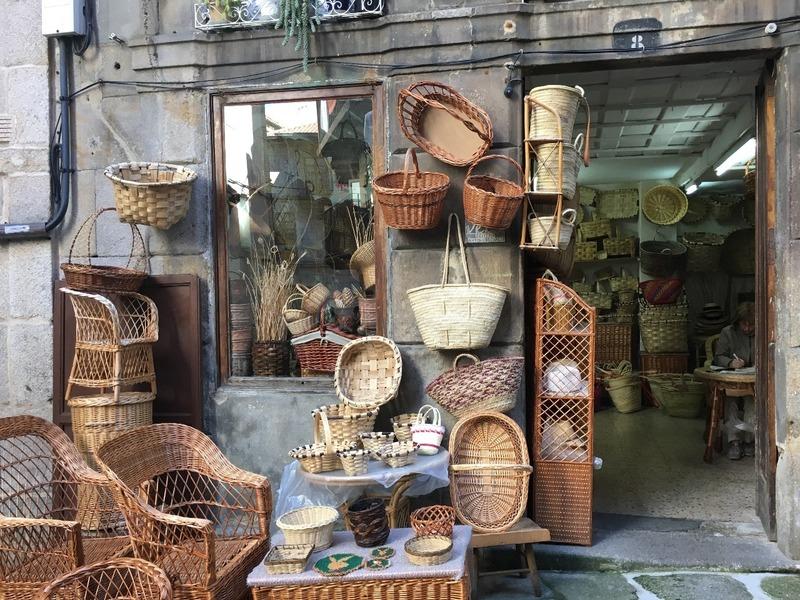 Basket shop in Weavers Alley
