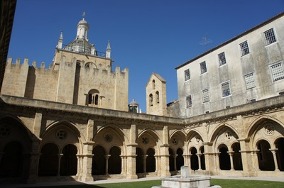 Coimbra - ancienne cathedrale, cloitre