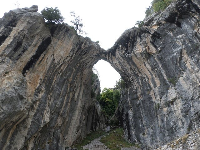 Cares Gorge walk to Poncebos