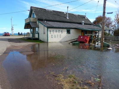 Spencer's Island cafe at high tide