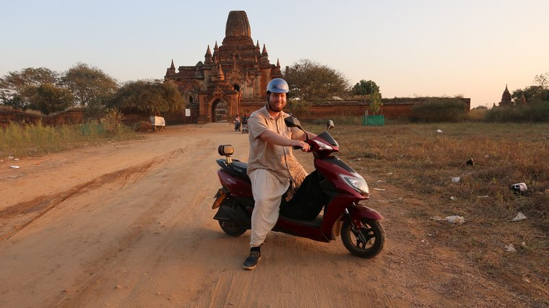 Discovering Bagan, Myanmar, on Ebike.
