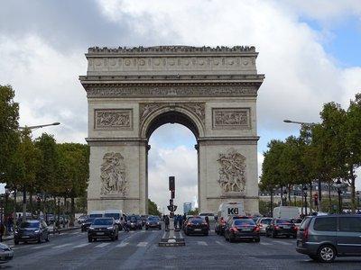 8th Arrondissement, Champs Elysées - Arc de Triomphe