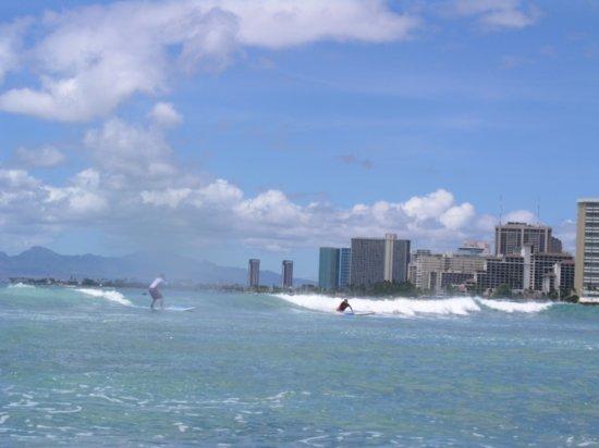Surfing Waikiki 21
