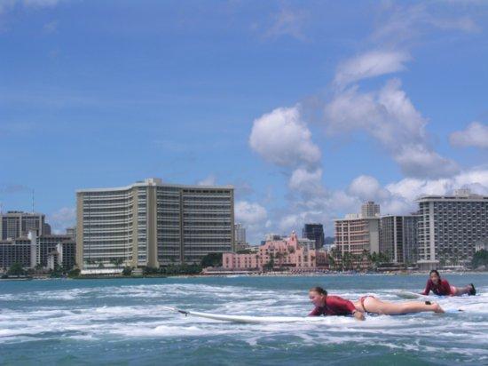 Surfing Waikiki 87