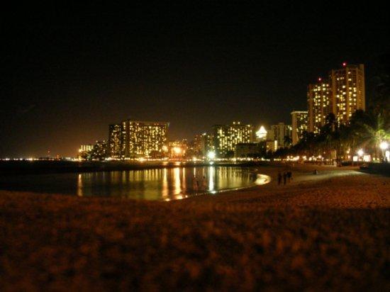 Night on Waikiki 04