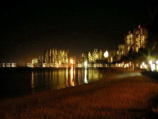 Night on Waikiki 01
