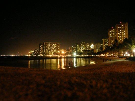 Night on Waikiki 03