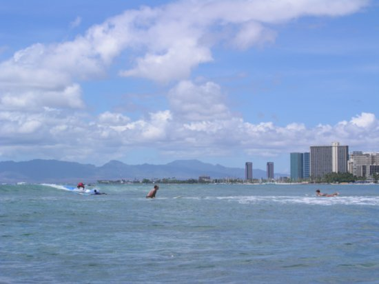 Surfing Waikiki 06