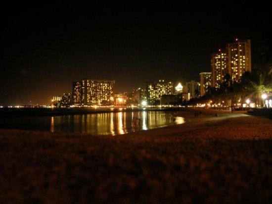 Night on Waikiki 02