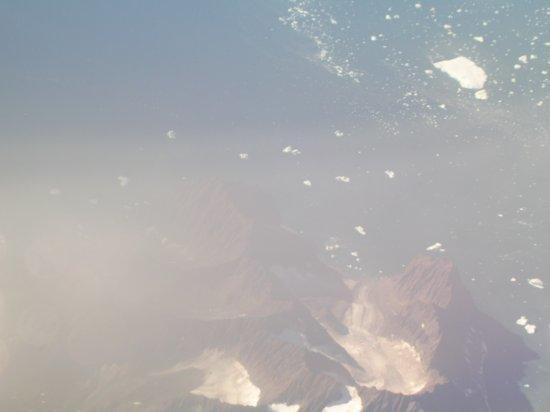 Above Greenland 04