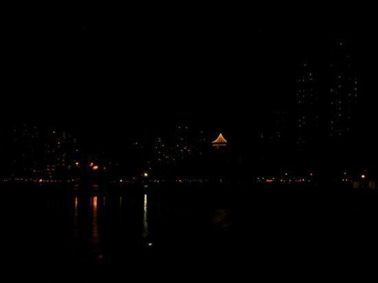 Night on Waikiki 07