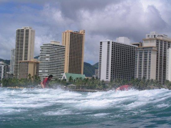 Surfing Waikiki 84