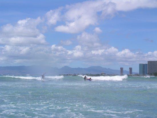 Surfing Waikiki 19