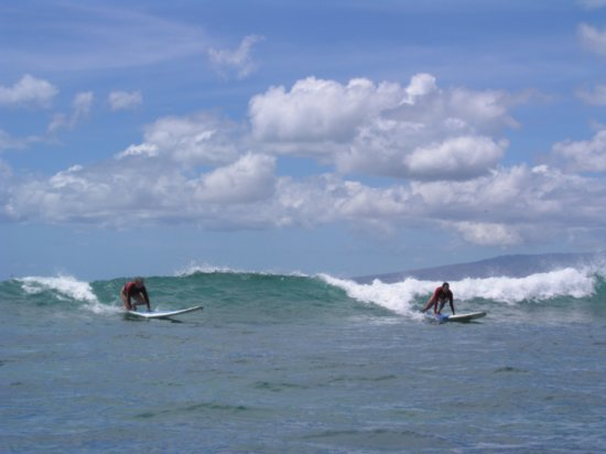Surfing Waikiki 77